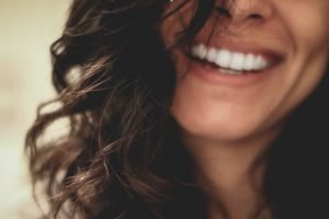 5 Teeth Whitening Options that Will Make You Smile Big at Holiday Cameras